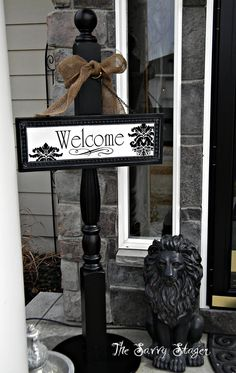 Possible use for porch posts - post sign - wreath holder Spindle Crafts, Wood Crafts, Diy And Crafts, Front Door Decor, Front Porch, Diy Projects To Try, Wood Projects, Welcome Post, Porch Posts
