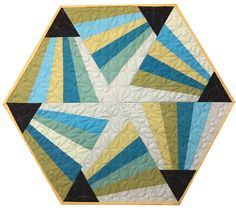 Magic Triangle Table Topper Pattern by Cut Loose Press can be used with Creative grids rulers or other rulers. Table Topper Patterns, Quilted Table Toppers, Table Runner Pattern, Quilted Table Runners, Quilting Templates, Quilting Projects, Quilt Patterns, Quilting Ideas, Sewing Projects