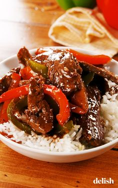 Fajitas de res a la pimienta y pimientos This Easy Skillet Pepper Steak Is SO Much Better Than Beef & BroccoliDelish Beef Recipes For Dinner, Meat Recipes, Crockpot Recipes, Cooking Recipes, Healthy Recipes, Cooking Tips, Recipies, Dinner Crockpot, Skillet Recipes