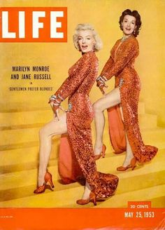 On the May 1953 issue of LIFE Magazine, Marilyn Monroe and Jane Russell were featured on the cover promoting 'Gentlemen Prefer Blondes. Jane Russell, Rosalind Russell, Life Magazine, Movie Magazine, Magazine Photos, Marilyn Monroe Fotos, Marilyn Monroe Life, Gentlemen Prefer Blondes, Hollywood Glamour