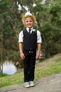 Adorable Kids Canada proudly offers you well-made suits and tuxedos for babies and boys.. These suits and tuxedos are perfect for weddings, first communion, as baptism outfits, graduation, holidays, funerals and special occasions. SCARBOROUGH
