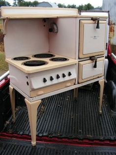 General Electric/Hotpoint 1932 stove.  Price not determined.