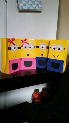 Cute girl minion, perfect for your minion decor. Candy bag, treat bags... also available in blue for boys..