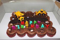 Rebecca's Amazing Creations: Construction Pull-Apart Cupcake Cake