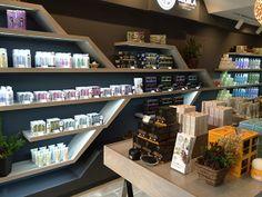Concept Store de NATURA SIBERICA en Tokyo (Japón). (vía tokyoholic.me)    #krous  #cosmeticanatural