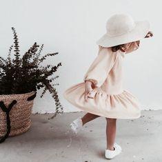 New fashion kids dress beautiful Ideas Vintage Kids Fashion, Little Girl Fashion, Toddler Fashion, Fashion Kids, Vintage Children, Children Toys, Trendy Fashion, Latest Fashion, Baby Kind