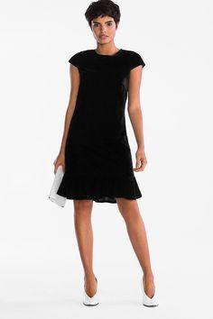 Mujer - Vestido de terciopelo - negro Shopping, Clothes, Black, Dresses, Fashion, Black Velvet Dress, Black Gowns, Shoulder Pads, Women