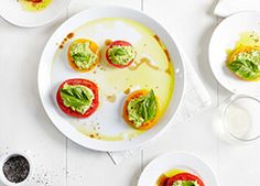 Herbed Pea Ricotta, Tomatoes and Basil - Meat Free Monday Appetizer Recipes, Salad Recipes, Appetizers, Tomato Basil Salad, Hors D'oeuvres, Eating Well, Ricotta, Tomatoes, Samurai