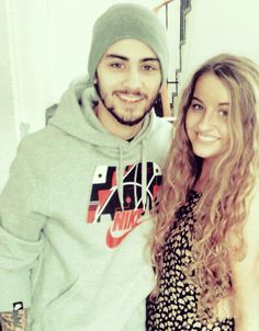 how is this girl so together crap id be a mess taking such a hot pic with zayn wtf