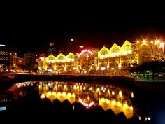 Singapore, Clarke Quay by night - Riverside Point #Singapore #ClarkeQuay #Riverside