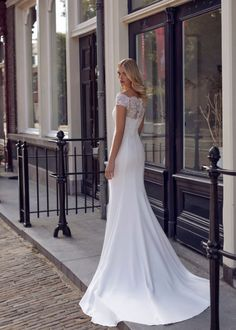 Trouwjurk Modeca Katja Off Shoulder Wedding Dress, Yes To The Dress, Mermaid Wedding, Fit And Flare, Ball Gowns, Bride, Wedding Dresses, Lace, Fashion