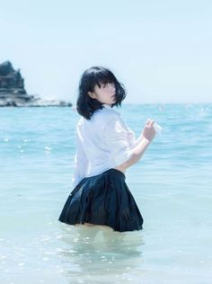 Pin by ライ on Women& fashion in 2019 Human Poses Reference, Pose Reference Photo, School Girl Japan, Japan Girl, Mode Ulzzang, Ulzzang Girl, Cute Asian Girls, Cute Girls, Cute Japanese Girl