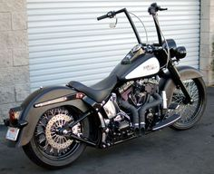 Harley-Davidson : Softail Deluxe, love those pipes