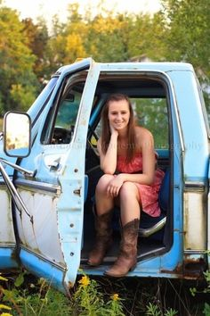 Country girl senior picture :] gotta use my brothers truck for this