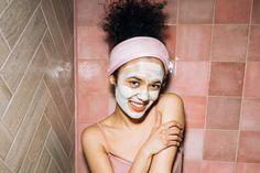 Beauty Tips For Face, Natural Beauty Tips, Beauty Hacks, Glowing Skin Diet, Whitening Face, Dark Complexion, Lighten Skin, Adobe Photoshop Lightroom, Flower Aesthetic