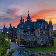 Beautiful Castles, Beautiful Buildings, Beautiful Landscapes, Beautiful Places, Chateau Medieval, Medieval Castle, Vacation Places, Places To Travel, Fantasy Castle