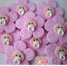 ideas for baby shower cake topper bebe Baby Cupcake, Fondant Baby, Baby Shower Cupcakes, Shower Cakes, Fondant Rose, Fondant Flowers, Fondant Cakes, Cute Polymer Clay, Polymer Clay Projects