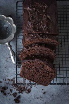 Basic Vegan Chocolate cake - everyone can make