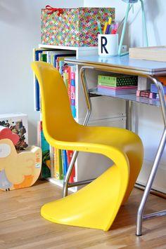 R's room // vintage desk