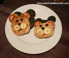 Groundhog day pancakes Happy Home Fairy, Groundhog Day, Food Crafts, Food Art, Fun Food, Holiday Fun, Holiday Crafts, Kids Meals, Holiday Recipes