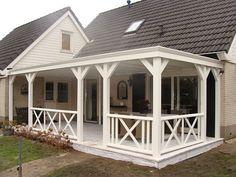 Tuingenot: Lariks houten veranda, overkapping met epdm, daksingels, polycarbonaat, pvc of glazen dak systeem