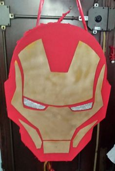 Piñata de Iron Man Iron Man Birthday, Superhero Birthday Party, Boy Birthday Parties, Iron Man Theme, Iron Man Party, Iron Man Logo, Iron Man Poster, Iron Man Funny, Iron Man Quotes