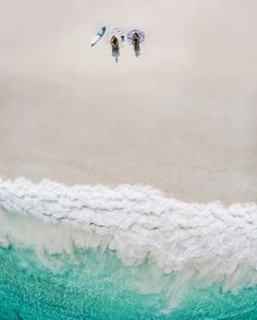 Blogger ElanaLoo's Year In Review | Drone Photo | Drone Beach Shot | Dérive Collective | via @elanaloo + elanaloo.com