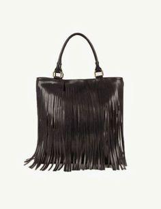 Bolsa con flecos la tendencia mas Boho Chic del otoño.  #AGDLM #fashion #moda #boho #chic #style #photooftheday #handbags #accesories