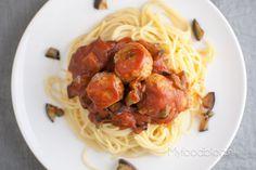 Op zoek naar een origineel pastagerecht? Probeer eens deze spaghetti met kipgehaktballen en aubergine. Lekker, origineel en makkelijk!