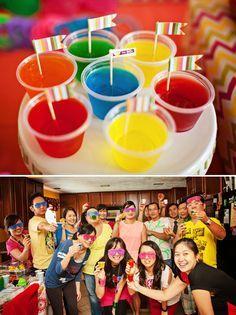 Decoração de festa neon                                                                                                                                                      Mais