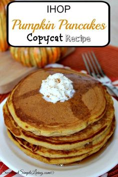 IHOP Pumpkin Pancakes Copycat Recipe It's coming! Slowly but surely the colder weather is moving it's way into Texas. I love this time of year because of all the baking, good food and time with Pancake Recipe Allrecipes, I Hop Pancake Recipe, Ihop Pancakes, Pumpkin Pancakes, Fluffy Pancakes, Buttermilk Pancakes, Waffles, Ninja Smoothie Recipes, Food Network Recipes