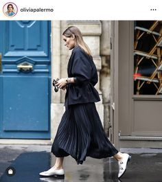 Shop from the best fashion sites and get inspiration from the latest olivia palermo. Fashion discovery and shopping in one place at Wheretoget. Estilo Olivia Palermo, Look Olivia Palermo, Olivia Palermo Street Style, Olivia Palermo Outfit, Olivia Palermo Lookbook, Cute Dress Outfits, Cute Dresses, Look Fashion, Paris Fashion