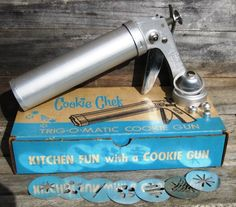Cookie Chef TRIGOMATIC Cookie Gun and Pastry by VintagebyKanina