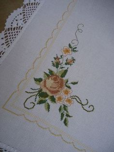 Cross Stitch Alphabet Patterns, Cross Stitch Borders, Cross Stitch Flowers, Cross Stitch Designs, Handkerchief Embroidery, Hand Embroidery Stitches, Crewel Embroidery, Embroidered Bedding, Cushion Cover Designs