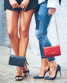 ¡¡POR FIN #juernes !! @chanelofficial #girlsnightout #stilettos #purse #enjoylife #carpediem #lacajadelosuenos