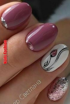 "If you're unfamiliar with nail trends and you hear the words ""coffin nails,"" what comes to mind? It's not nails with coffins drawn on them. Although, that would be a cute look for Halloween. It's long nails with a square tip, and the look has. Stylish Nails, Trendy Nails, Nail Art Diy, Diy Nails, Fancy Nails, Cute Nails, Nagellack Design, Pretty Nail Art, Flower Nails"