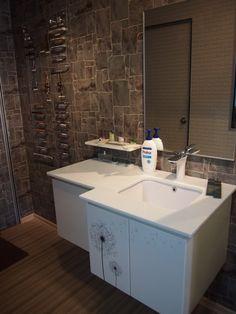 bathroom cabinets, white