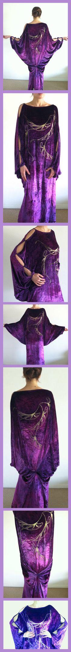 Late Teens/ early 1920's SILK VELVET DRESS. From ebay seller: nylavintage. Date from: http://extantgowns.blogspot.se/