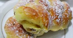 Treccine con uvetta.   Se il buongiorno si vede dal mattino,iniziamo la giornata con leggerezza consumando una buona colazione in famigli...