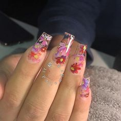 Gorgeous floral print nails by @kaynailedit featuring foil from our Floral Foil Transfer Box Set. 💗💅 Available at DailyCharme.com! Flower Nail Designs, Cute Acrylic Nail Designs, Foil Nail Art, Foil Nails, Amazing Nails, Gorgeous Nails, Clear Gel Nails, Blush Nails, Pink Acrylic Nails