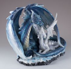 Blue Sparkly Mother Dragon With Baby Figurine Statue Dragon Armor, Clay Dragon, Dragon Egg, Mythical Dragons, Turtle Crafts, Dragon's Lair, Dragon Figurines, Dragon Statue, White Dragon