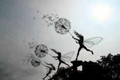 Wire Fairy Sculpture by British artist Robin Wight Robin Wight, Fantasy Wire, Foto Fantasy, Sculptures Sur Fil, Sculpture Art, Wire Sculptures, Real Life Fairies, Illustration Photo, Colossal Art