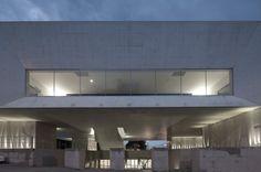 Palacio de Justica de Gouveia / Barbosa & Guimaraes Architects
