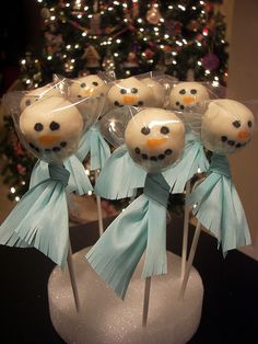 snowman lollipop - though they look more like angels to me!