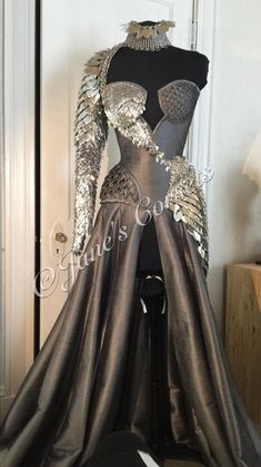 Pretty Outfits, Pretty Dresses, Beautiful Dresses, Fantasy Gowns, Fantasy Clothes, Fairytale Dress, Dream Dress, Costume Design, Aesthetic Clothes