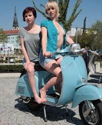 Sexy Vespa Girls - Keep it ska ! Vespa Bike, Motos Vespa, Vespa Lambretta, Vespa Scooters, Lady Biker, Biker Girl, Vintage Bikes, Vintage Vespa, Motor Scooters