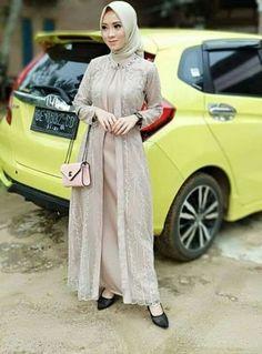 New Style Hijab Wisuda Ideas style 750693831621823278 Dress Brokat Muslim, Dress Brokat Modern, Kebaya Modern Dress, Muslim Dress, Dress Brukat, Hijab Dress Party, Hijab Style Dress, Batik Dress, Kebaya Hijab