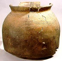 Ashmolean Museum: PotWeb: Saxo-Norman pottery. Shouldered jar.  Early Medieval Oxford ware. #england #11thcentury #12thcentury