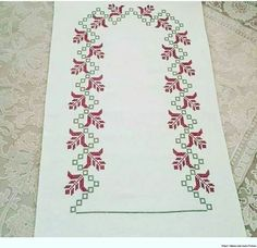 This Pin was discovered by nes Baby Knitting Patterns, Embroidery Patterns, Cross Stitch Rose, Prayer Rug, Cross Stitch Designs, Cross Stitching, Needlework, Bohemian Rug, Diy And Crafts