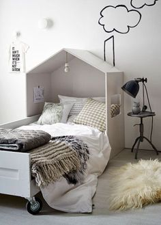 Bed house VT livinghttp: //www.nl/diy/kinderbed-met-houten-huisje/ - Home Diy Projects Kid Beds, New Room, Child's Room, Kids Furniture, Furniture Plans, Furniture Design, Plywood Furniture, Vintage Furniture, Modern Furniture